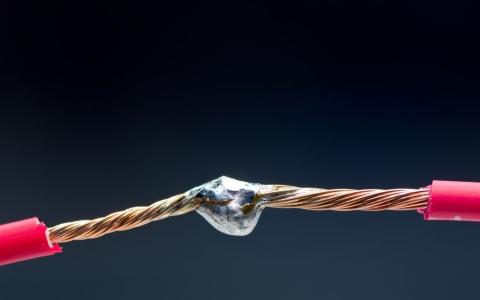Как паять провода
