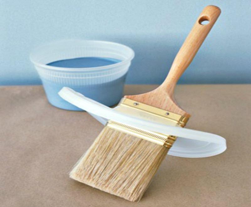 Как удобно красить потолок кистью